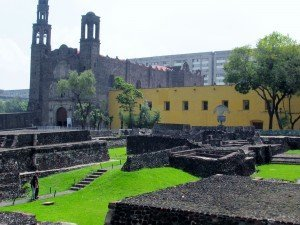 Plaza_de_las_Tres_Culturas_(Square_of_the_Three_Cultures)